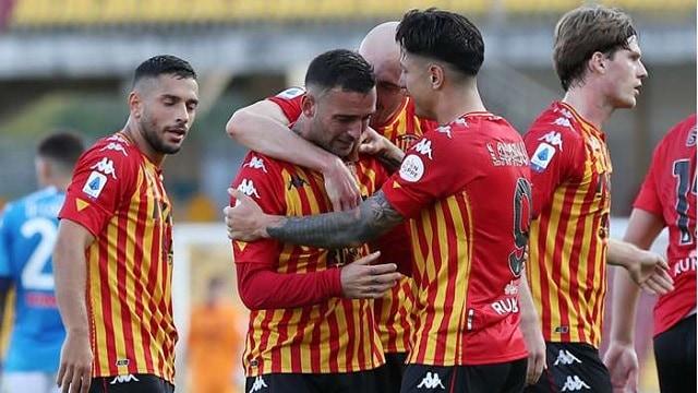 Soi kèo bóng đá trận Verona vs Benevento, 2:45 – 3/11/2020