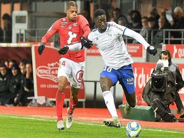 Soi kèo bóng đá trận Strasbourg vs Brest, 01:00 – 04/02/2021