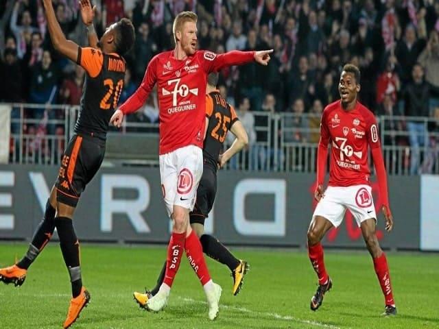 Soi kèo bóng đá trận Lorient vs Brest, 20:00 – 04/04/2021