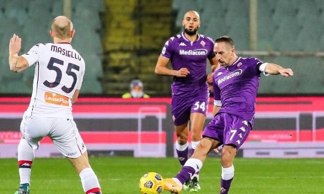 Soi kèo bóng đá trận Crotone vs Fiorentina, 1:45 – 23/05/2021