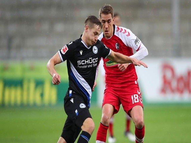 Soi kèo bóng đá trận Arminia Bielefeld vs SC Freiburg, 20:30 – 14/08/2021