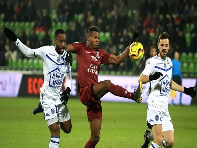 Soi kèo bóng đá trận Metz vs Troyes, 20:00 – 12/09/2021
